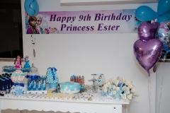 Ester (4)